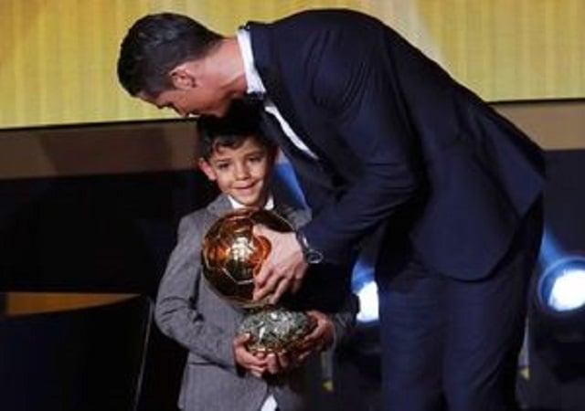 کلیپی از پنجمین توپ طلای کریستیانو رونالدو در برنامه ی فوتبال 120 شبکه ورزش 23 آذر 96