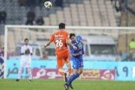 پژمان منتظری مدافع تیم استقلال ملی پوشی که در ترکیب تیمش ثابت بازی نمی کند