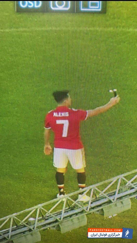 عکس ؛ سلفی ستاره جدید یونایتد با پیراهن شماره ۷ !