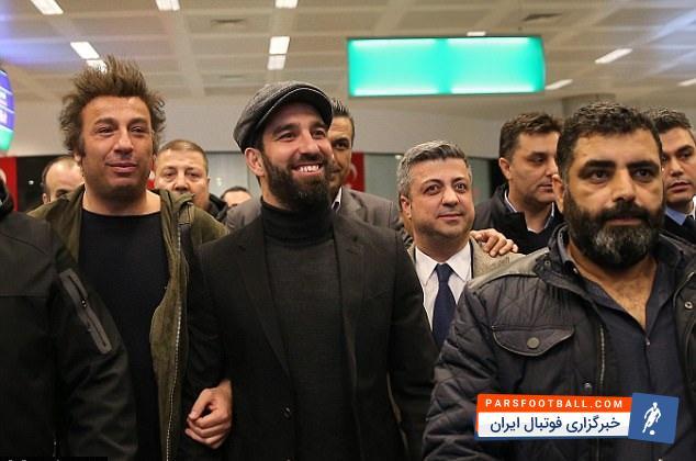آردا توران سال 2015 به بارسلونا پیوست و پس از سه سال ناموفق در این تیم، به صورت قرضی تا پایان قراردادش با بارسا راهی باشاک شهیر ترکیه شد.