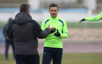 جپاروف در اظهارات خود خطاب به مسئولان کمیته انضباطی اعلام کرد نیت آسیب رساندن به بازیکن استقلال خوزستان را نداشته و ناخواسته روی کمر این بازیکن فرود آمد.