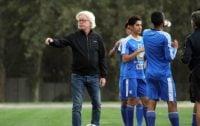 وینفرد شفر سرمرنی تیم فوتبال استقلال در صورت تمدید قرار داد با سه استقلالی خداحافظی خواهد کرد