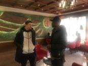 بویان نایدنوف و مامه بابا تیام ، دو بازیکن جدید استقلال که هم اکنون در هتل المپیک اسکان داده شده اند امروز در لابی این هتل دیدار صمیمانه ای با هم داشتند.