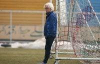 وینفرد شفر سرمربی تیم فوتبال استقلال تهران برای انتخاب ترکیب سیستم تیمش در بازی با تیم فوتبال الریان با چالش بزرگی روبرو است.