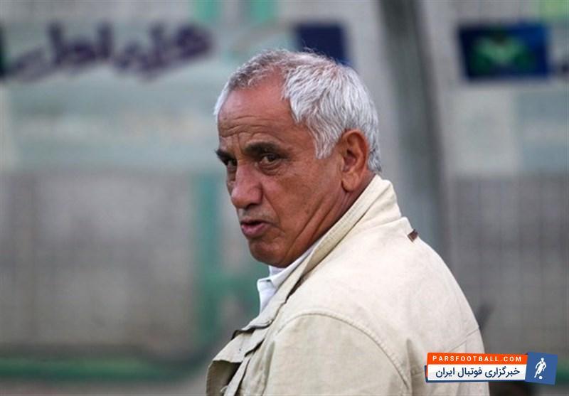 اصغر شرفی مربی پیشین تیم ملی فوتبال کشورمان گفت: علی کریمی به سمت باد حرکت نمی کند و همیشه حرف های جدیدی برای گفتن دارد.