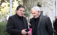 حواشی بازگشت تیم ملی فوتسال به ایران پس از قهرمانی ؛ همه مردم حامی کریمی ؛ ساکت در پاسخ به مردمی که کریمی را پیروز مناظره میدانستند، نیشخند میزد.