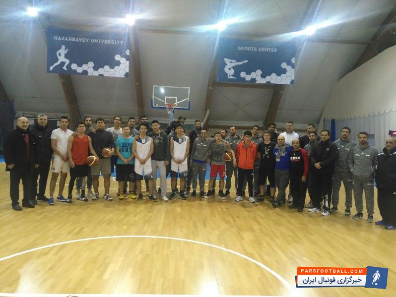 عکس ؛ وقتی بازیکنان دانشگاه نظربایف با ملی پوشان عکس یادگاری می اندازند !
