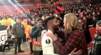 گریه های هوادار اوسترشوند در آغوش سامان قدوس در پایان دیدار برابر آرسنال