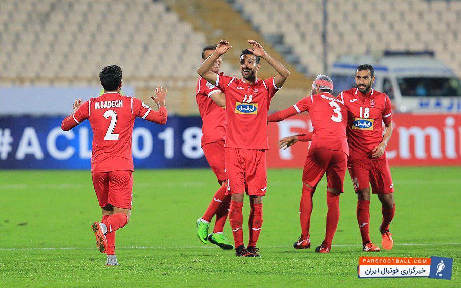"""عکس ؛ جشن پیروزی عناصر دفاعی """" پرسپولیس """" در استادیوم آزادی"""