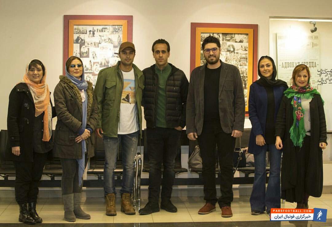 عکس ؛ محبوب پرسپولیسی ها در کنار بازیگران خانم