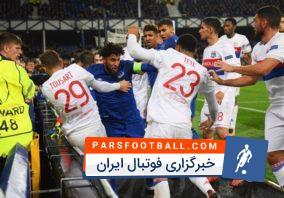 فوتبال ؛ درگیری و کتک کاری بین بازیکنان فوتبال با هواداران در مستطیل سبز
