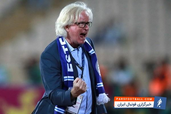 شفر سرمربی تیم فوتبال استقلال از اظهار نظر صریح در مورد اینده اش در این تیم سرباز زد