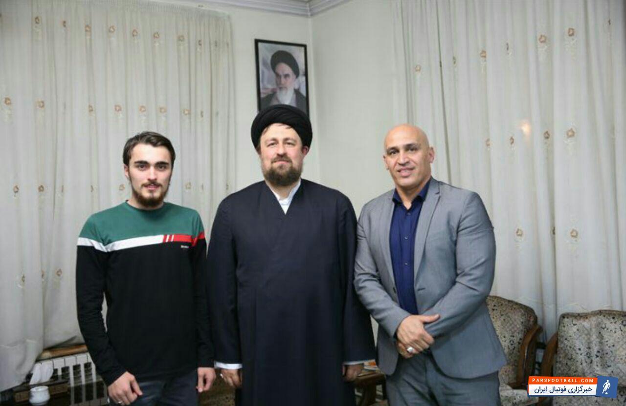 عکس ؛ دیدار سرمربی سابق استقلال با یادگاران امام خمینی