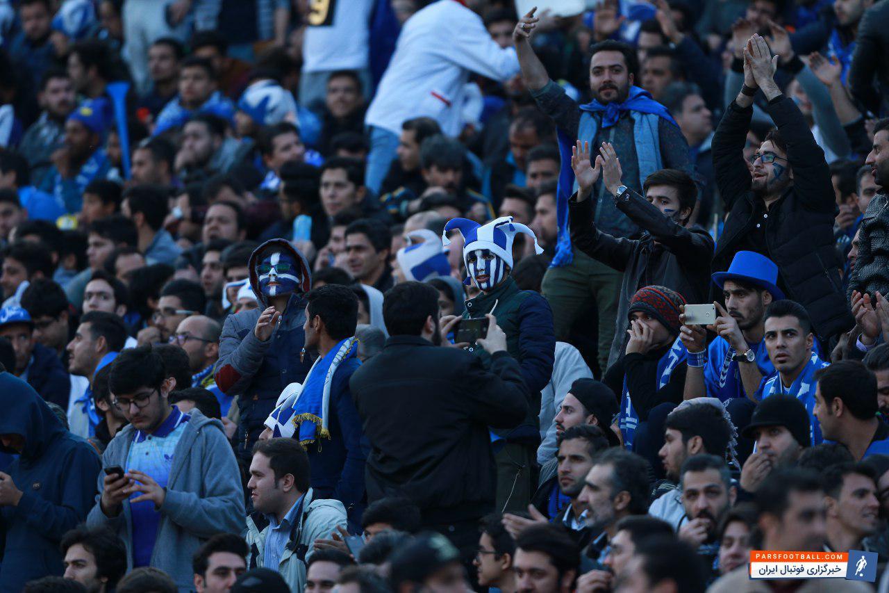 تیم فوتبال استقلال به خاطر اتفاق های فصل گذشته از حضور تماشاگر در یک بازی محروم و 200 هزار دلار جریمه شد که این محرومیت به حالت تعلیق درآمده بود.