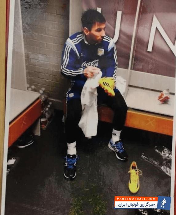 عکس ؛ چرا عکس مسی در رختکن سرخپوشان نصب شده بود ؟!
