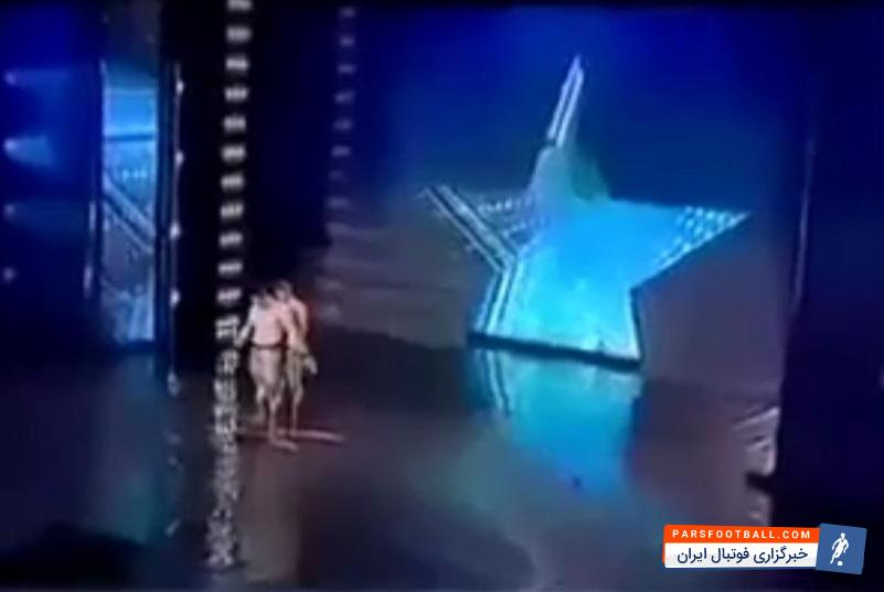 حرکات آکروباتیک خطرناک ؛ کلیپی از حرکات نمایشی دو جوان در مسابقه استعدادیابی