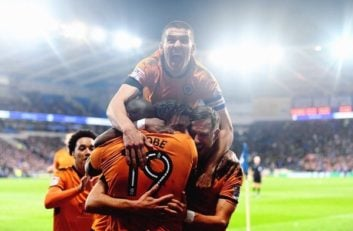 خوشحالی بازیکنان ولوزهمپتون پس از صعود به لیگ برتر