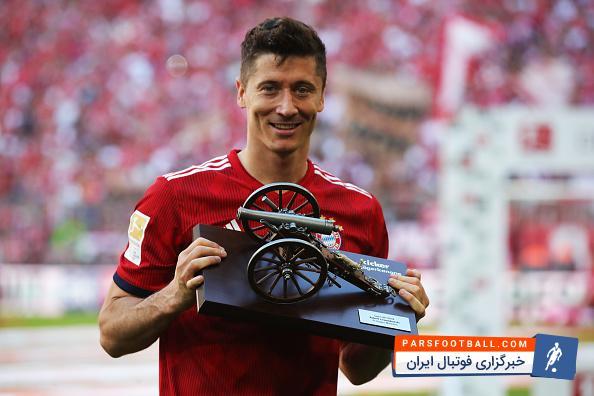 کلیپی از جشن قهرمانی بایرن مونیخ در بوندسلیگا در برنامه فوتبال 120 ؛ پارس فوتبال