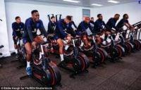 گرت ساوت گیت سرمربی تیم ملی انگلیس است گرت ساوت گیت امیدوار است سه شیرها بعد از سالها موفق به کسب موفقیت در جام جهانی شوند.