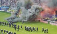 خشم و اعتراض هواداران هامبورگ پس از سقوط به دسته پایینتر بوندس لیگا