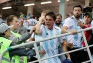 آرژانتین ؛دیپورت 24 هوادار آرژانتین به دلیل درگیری و زد خورد با هواداران کرواسی