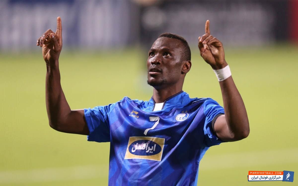 تیام مهاجم تیم فوتبال استقلال در سنگال به سر می برد و قرار است تصمیم نهایی خود را بگیرد