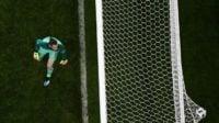 داوید دخیا شب گذشته (جمعه) اشتباه بسیار بدی را برابر تیم ملی پرتغال مرتکب شد و گل دوم را از رونالدو به شکل عجیبی دریافت کرد.