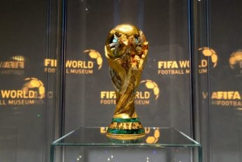 ماکت غول پیکر جام جهانی در کلکته هند