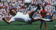 مانوئل نگرته هافبک اسبق تیم ملی فوتبال مکزیک خواهان عذرخواهی اسطوره آرژانتین از مردم کشورش شد.