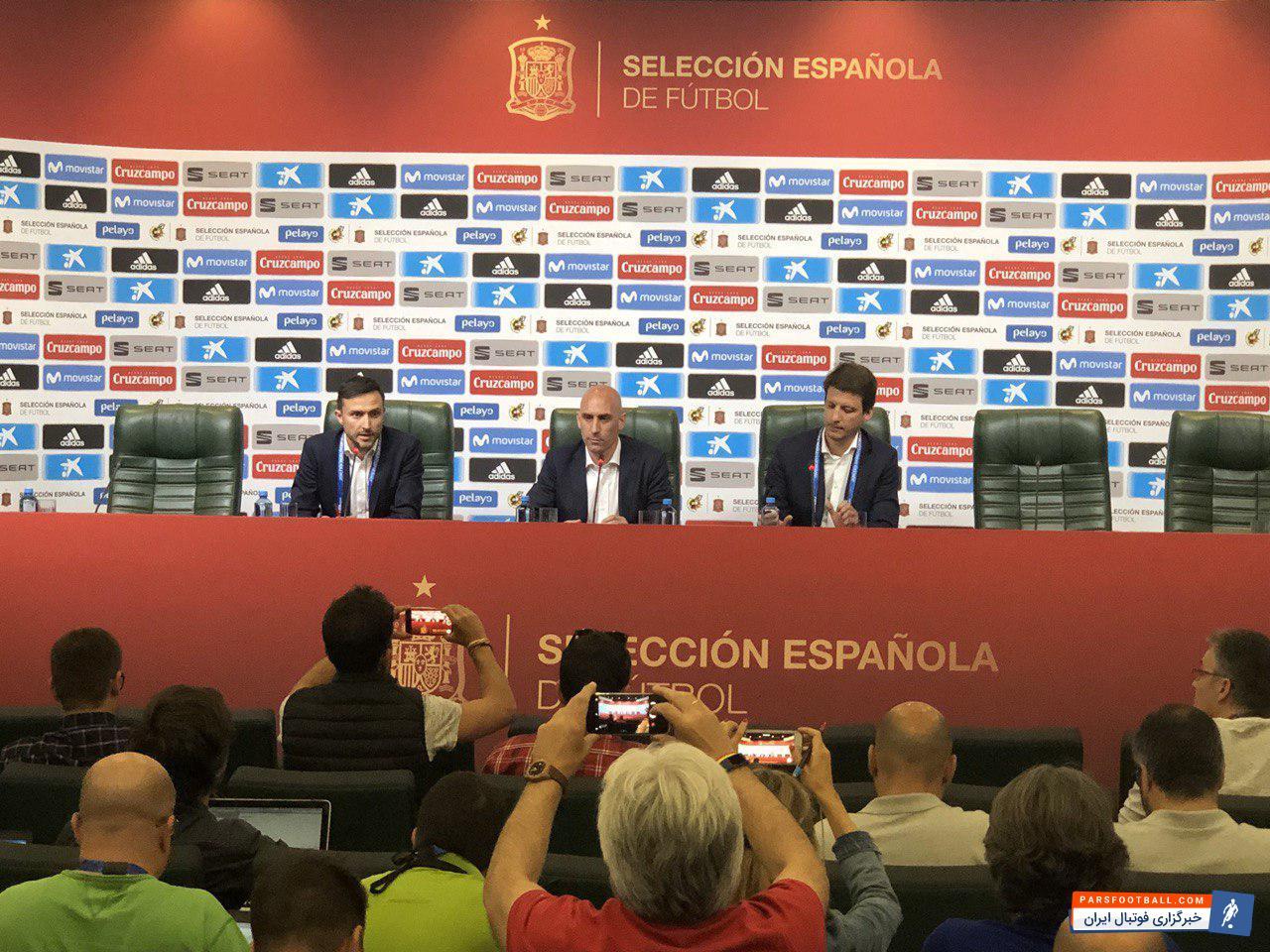 یولن لوپتگی سرمربی تیم ملی فوتبال اسپانیا با وجود پادرمیانی شاگردانش، از لاروخا اخراج شد.