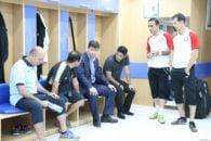 بهرام رضاییان در تمرینات قبل از این بازی کنار اعضای تیمش حضور داشت بهرام رضاییان روز بازی نیز از عصر به رختکن رفت و به همه آنها روحیه داد.