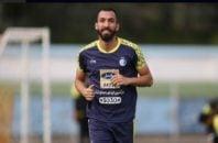 روزبه چشمی بعد از بازی با مراکش مصدوم بود روزبه چشمی در این مدت حدود 2 ماه از تمرینات استقلال به دور بود و شرایط تمرین کردن نداشت.