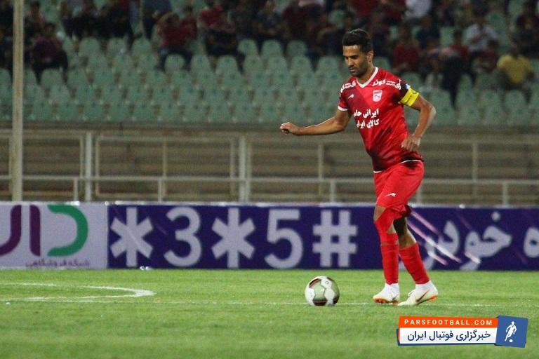 مسعود شجاعی بازیکن تراکتور اظهار داشت: علی دایی افتخار فوتبال ایران و آسیا است