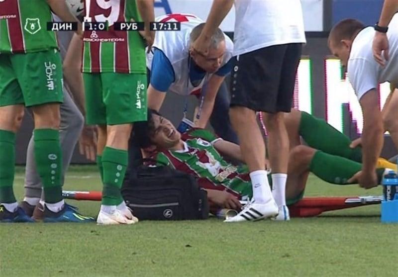سردار آزمون ملیپوش ایرانی در دقیقه 18 این بازی پس از برخورد با مدافع تیم دینامو مسکو مصدوم شد و با برانکارد به بیرون از زمین انتقال یافت.
