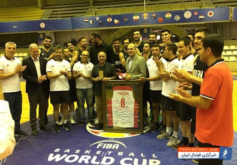 پرویز پرستویی به تمرینات تیم ملی بسکتبال ایران در سالن بسکتبال مجموعه ورزشی آزادی رفت و پیش از اعزام  تیم ملی بسکتبال به جاکارتا با ملیپوشان دیدار کرد.