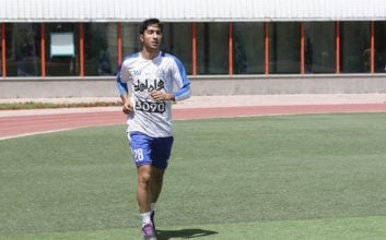 محسن کریمی که دچار پارگی رباط صلیبی شدهبود، پس از پشت سر گذاشتن مراحل درمانیاش به تمرینات استقلال بازگشت.