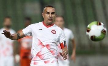حسین کعبی کاپیتان تیم فوتبال سپیدرود رشت گفت: آقایان ۲۰ سال پیش یک گل زدند که مردم خوشحال شدند، اما ۲۰ سال است که در شهرهای مختلف به مردم فحش میدهند و بیاحترامی میکنند.