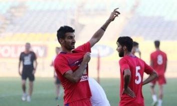 حرفهای حسین ماهینی کاپیتان دوم تیم فوتبال پرسپولیس که گفته بود پرسپولیس ۱۰ برابر هوادارانش دشمن دارد، سوژه هواداران استقلال در فضای مجازی شد.