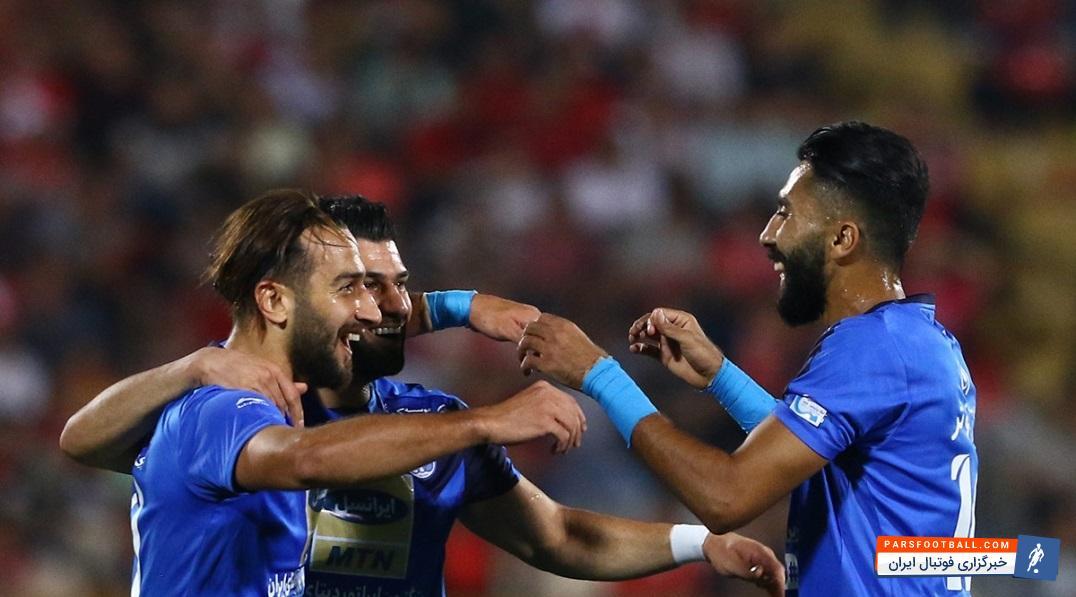 روح الله باقری در نوک خط آتش استقلال در برابر پارس جنوبی جم ؛ پارس فوتبال