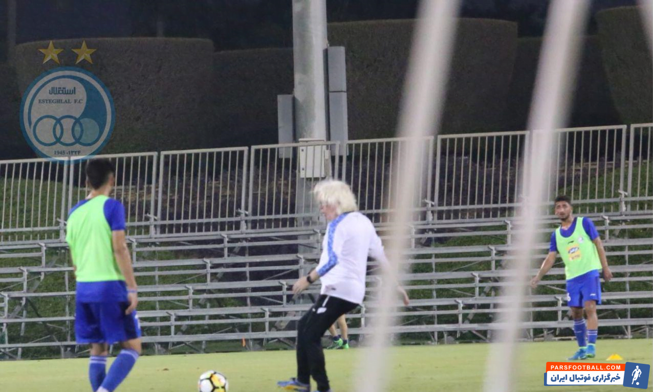 اولین تمرین تیم فوتبال استقلال در دوحه قطر زیر نور برگزار شد.