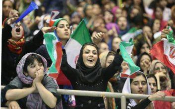 حضور بانوان در ورزشگاه آزادی - ایران - بولیوی-