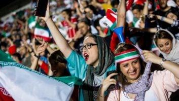 مارکا - حضور زنان ایرانی در ورزشگاه آزادی