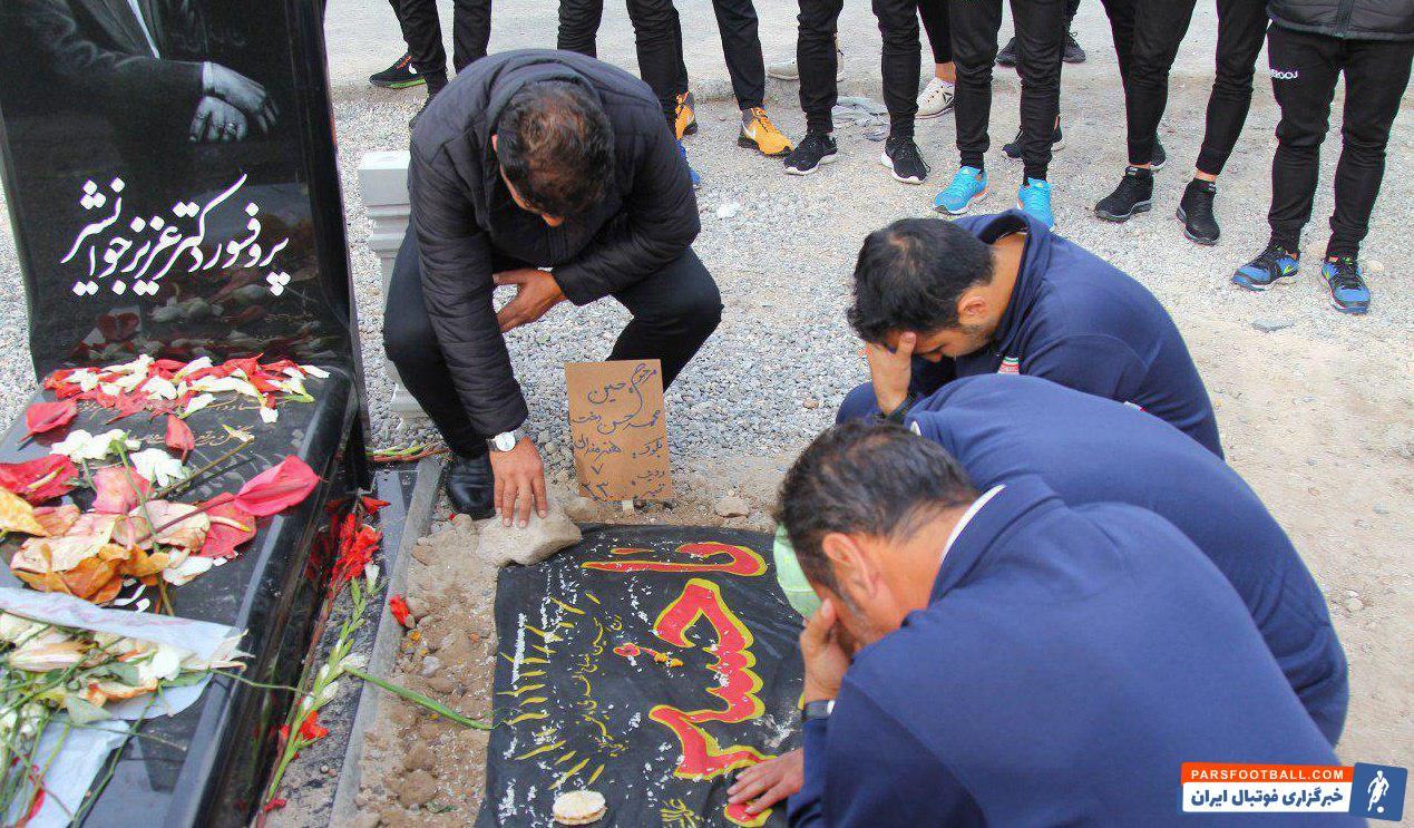 حسین حسندخت  یکی از بازیکنان خاطره ساز برای هواداران این تیم بود مراسم تشییع و خاکسپاری حسین حسندخت کاپیتان سابق تراکتورسازی صبح امروز در تبریز برگزار شد.