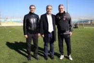 ایرج عرب از سوی وزارت ورزش به عنوان سرپرست باشگاه پرسپولیس انتخاب شد تا سرخ ها با ایرج عرب دهمین مدیر خود در دهه 90 را تجربه کنند .