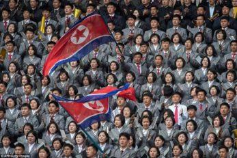 تماشاگر بازی تاریخی فوتبال زنان کره شمالی و کره جنوبی