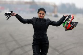 بهناز شفیعی ، اولین زن موتور سوار حرفه ای ایران