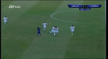 کلیپی از گل سوم استقلال به استقلال خوزستان در بازی های لیگ برتر خلیج فارس 7 دی 96
