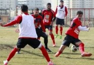 تمرین تیم فوتبال پرسپولیس امروز (یکشنبه) با حضور تمام نفرات از ساعت 11 در ورزشگاه شهید کاظمی برگزار شد.سرپرست باشگاه از وضعیت چمن ورزشگاه بازدید کرد.