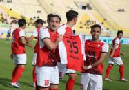 روحالله باقری هافبک خونه به خونه در نیمه نهایی جام حذفی در خانه حریف هت تریک کرد تا تیمش را به فینال برساند اما خودش اخطار گرفت.