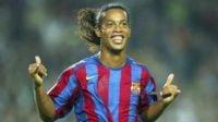 رونالدینیو ؛ تکنیک ها و لایی های دیدنی از رونالدینیو ستاره پیشین تیم فوتبال بارسلونا